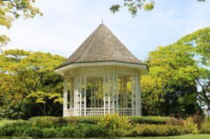 Pavillon Metall im eigenen Garten